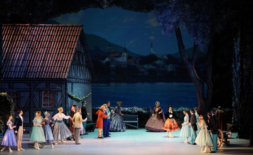 "Ink Idea printed the stage scenery for the ballet ""At the Blue Danube"""